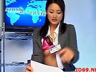 Japanese girls fingered during the news