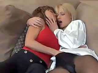 Sexy lesbians make out and finger