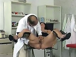 Doctor exam spreads open her pussy
