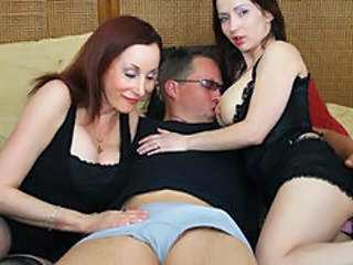 Extreme Mother and daughter threesome