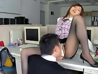 Office Lady Licked And Fingered Giving Blowjob In The Office