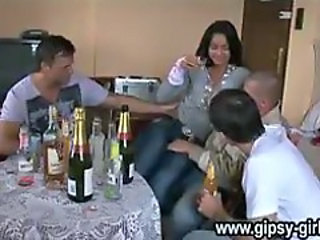 Gipsy-8_fulldrunken-sleeping-gipsy-and-sinti-fucking.avi