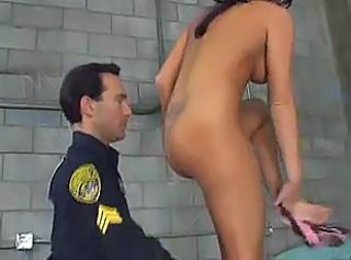 Arrested slut seducing policeman for hot session in a prison ward