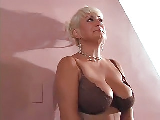 Sexy Old Bitch Dana Hayes