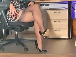 High heels,handjob,long nails...