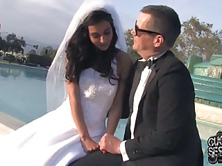 Just Married Bride Fucks Black G...
