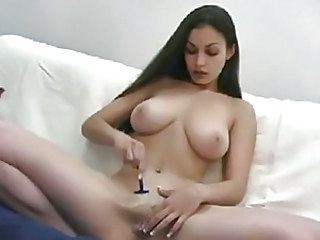 Aria Giovanni shaves her sexy pussy