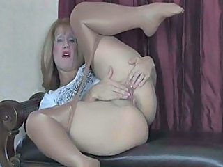 Mature Sammy in a long self masturbation in sheer pantyhose (TheNyl...