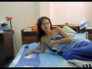 Thai girl on hidden cam