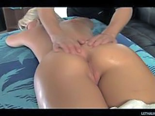 Blonde is rod ravaged by her sexy masseur