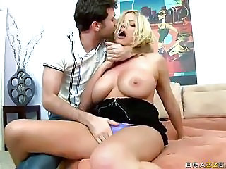 Big Breasted Mommy Briana Banks...