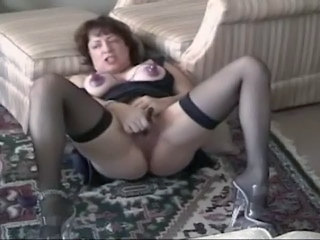 Slutwife Sarah Squirting
