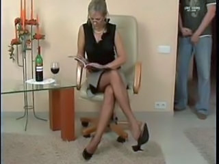 Footboy and sexy Matures Nylonsoles