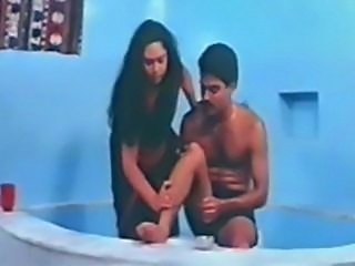 Classic Indian Full Mallu Movie Millan Ki Aag aunty shower scenes and boob...
