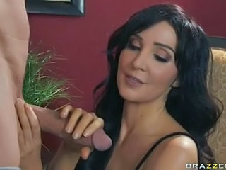 Marvelous Momma Diana Prince Sexily Munching A Powerful Cock Like A Yummy Sausage
