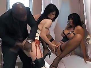 British slut Daisy Rock in a kinky ffm threesome scene