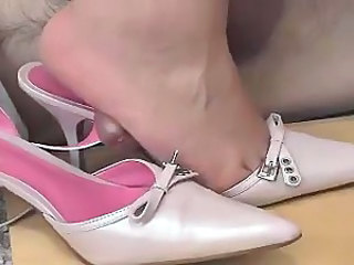 Cum inside my pink heels by mistress butterfly