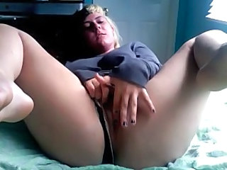 Chubby Emo Girl Masturbating on Webcam