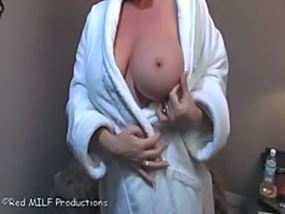 Amateur Amazing Big Tits  Stripper