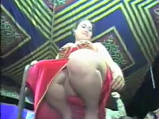 Amateur Arab Chubby Dancing