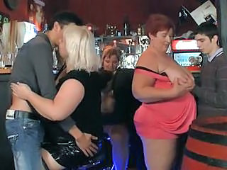 Groupsex Mature Old and Young Party