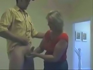 Amateur Handjob Mature Mom