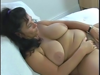Amateur Big Tits Chubby Mature Natural