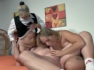 Amateur Blowjob Facesitting Licking Mature Threesome