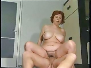 Amateur Chubby Mature Riding
