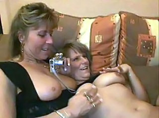 Amateur European Mature Threesome