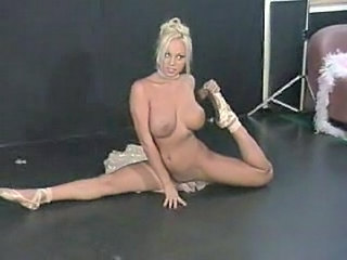 Big Tits Blonde Dancing Flexible  Stripper