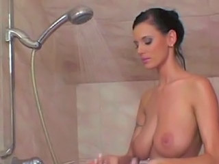 Brunette   Showers