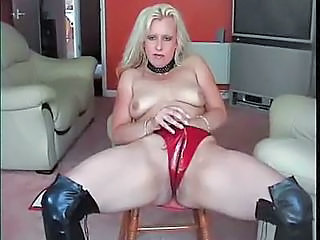 Amateur Blonde Latex   Solo