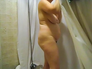 Amateur  Mature  Showers