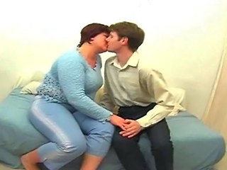 Amateur  Kissing Mature Mom Old and Young