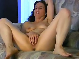 Masturbating Mature Mom Solo