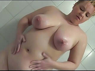 Amateur Chubby   Showers