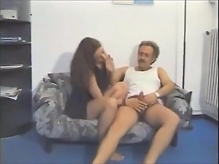 Amateur Daddy Handjob