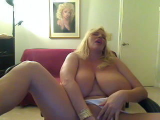 Big Tits Masturbating  Natural  Webcam