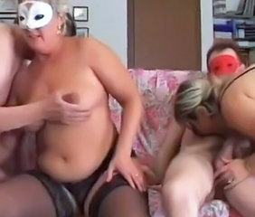 Amateur Chubby Fetish Groupsex Mature Stockings Swingers Wife