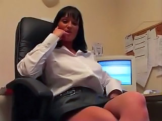 Amateur Masturbating  Office