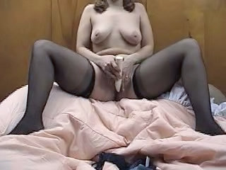 Amateur Masturbating   Stockings Toy