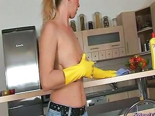 Kitchen Mature