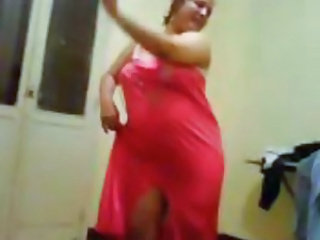 Amateur Arab  Dancing Homemade Wife
