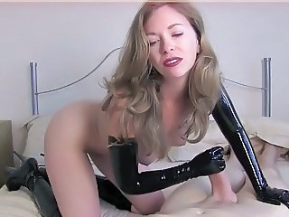 Amateur Handjob Latex