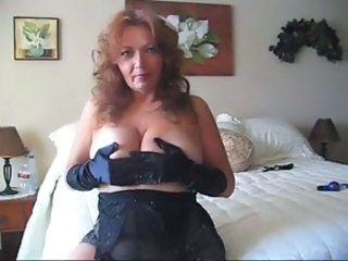Curvy mature amateur in lingerie playing solo