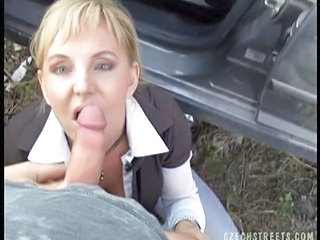 Baguhan Blowjob Dinamitan Europeo  Sa Labas Pov