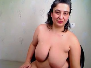 Big Tits Mature Natural  Webcam