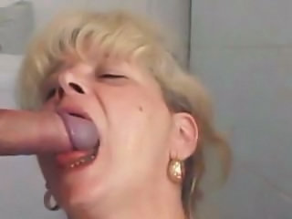 Blowjob Mature Toilet