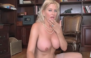 Big Tits Mature Natural Swallow